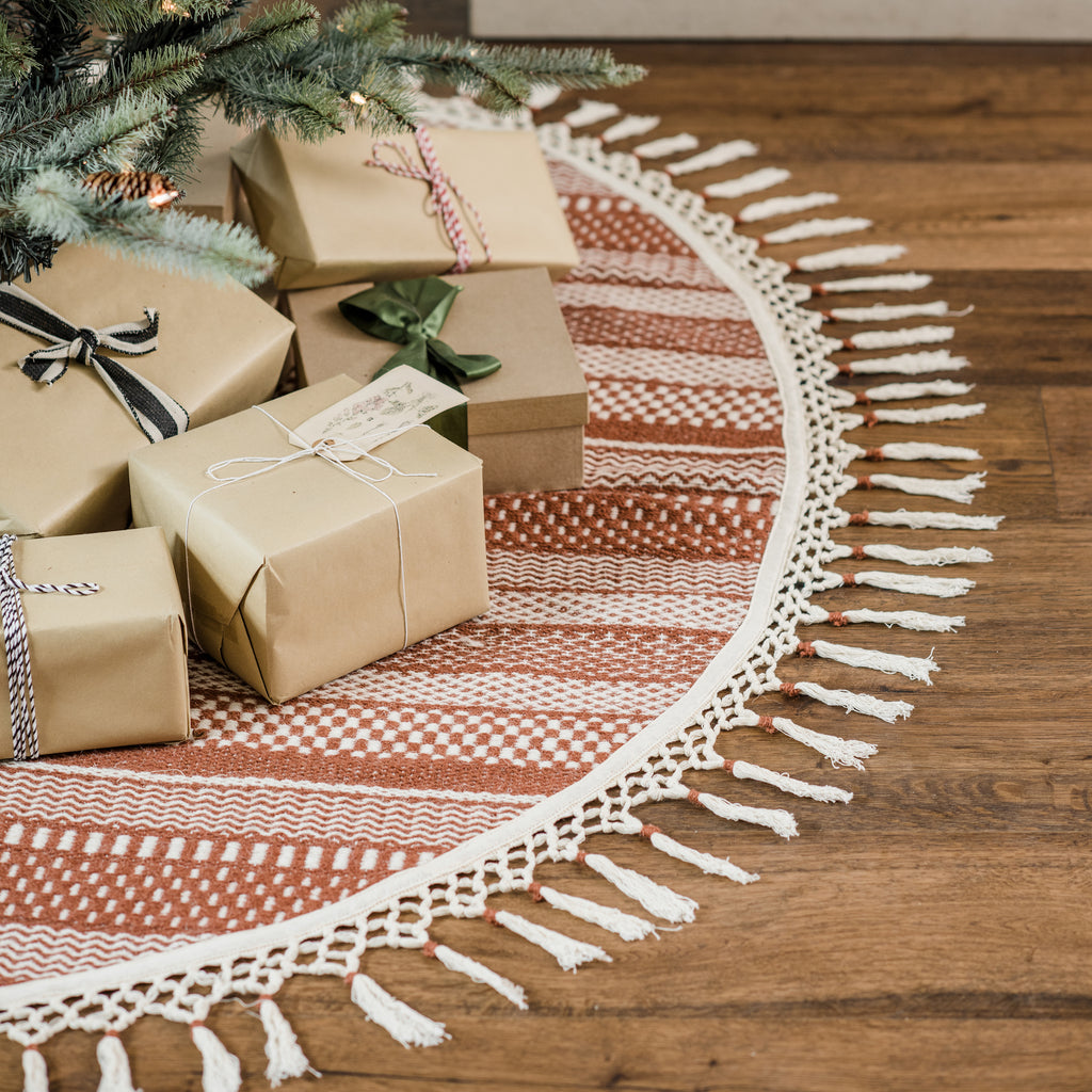 modern christmas tree skirt with red and white striped pattern