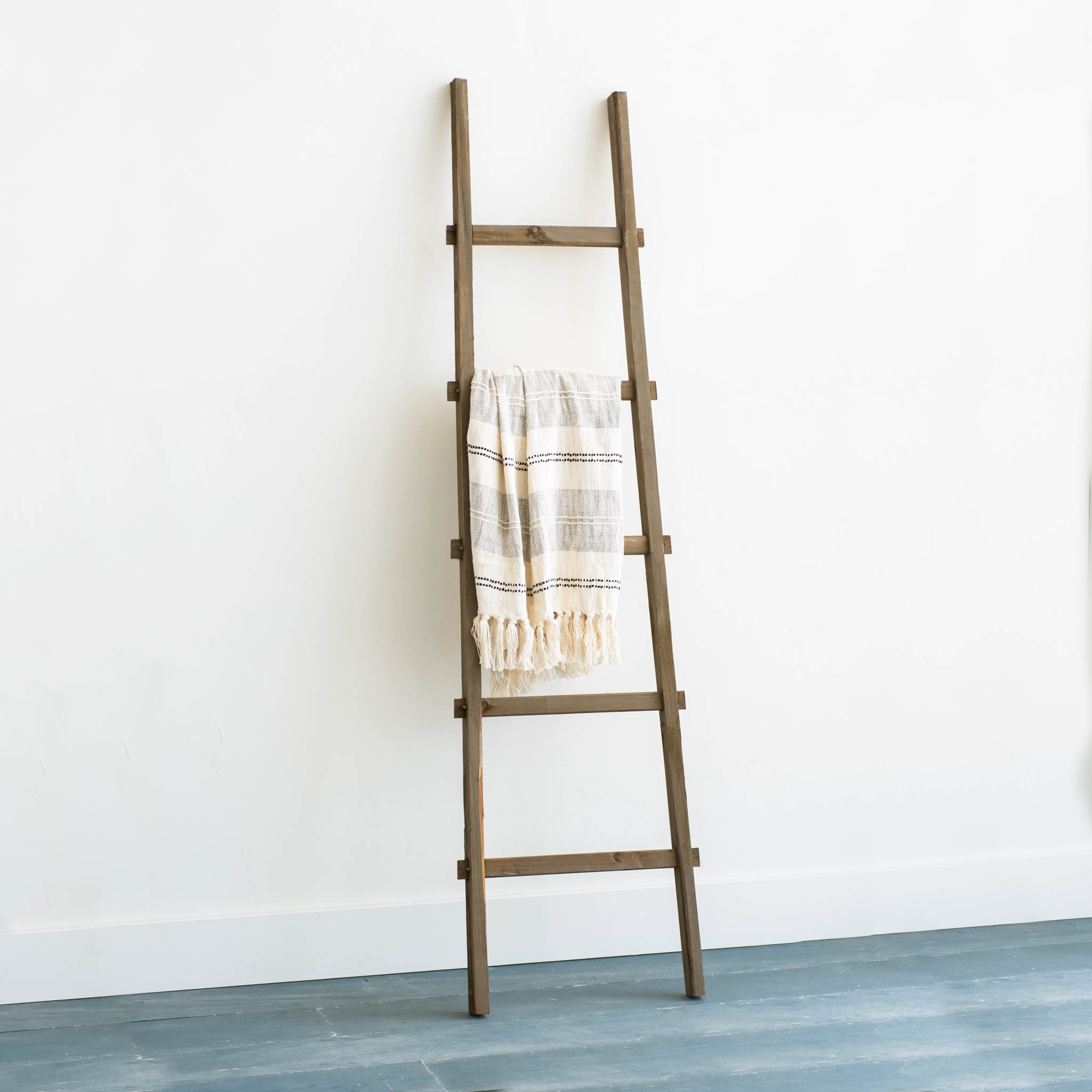 Wooden Display Ladder Magnolia