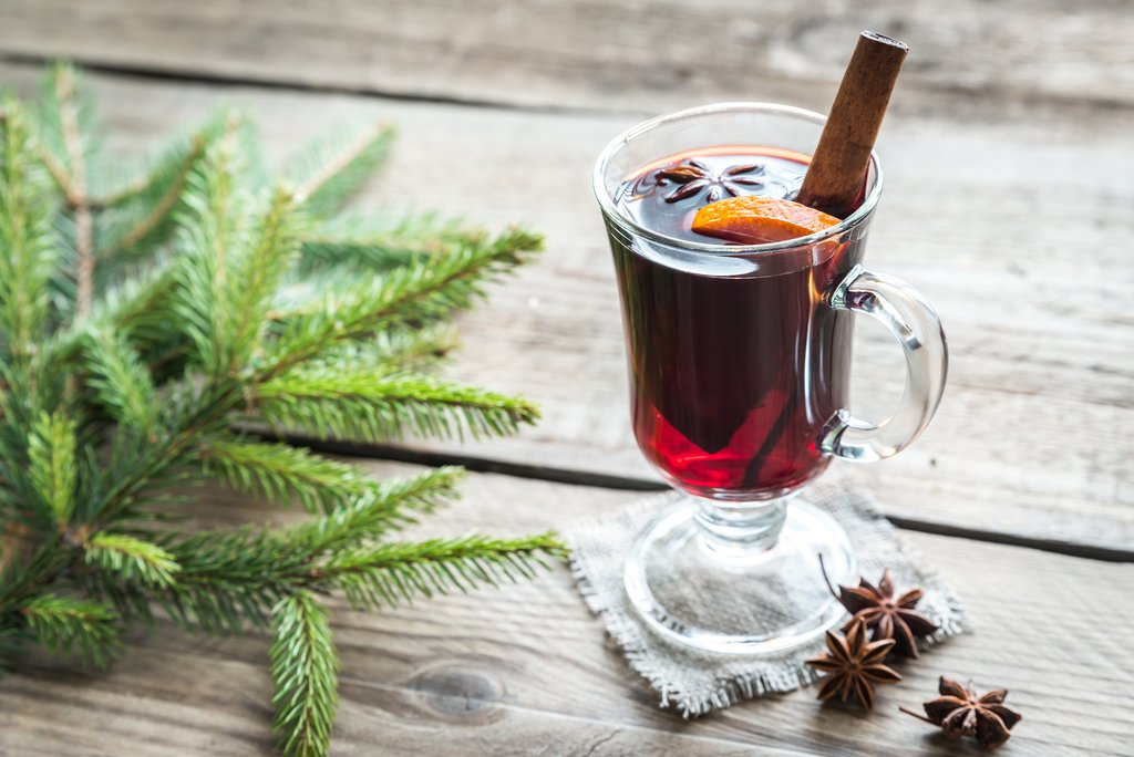Mulled Wine with Satsumas