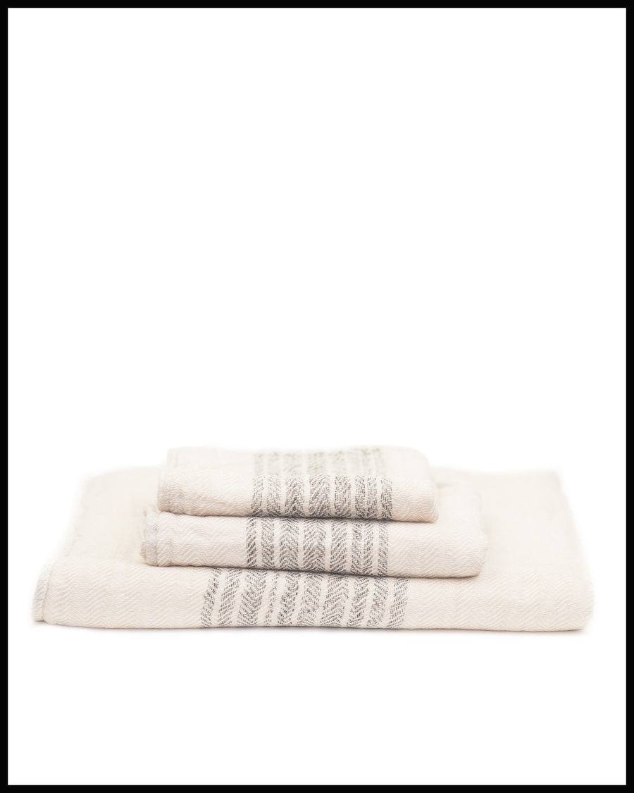FLAX LINE TOWEL IN ORGANIC COTTON