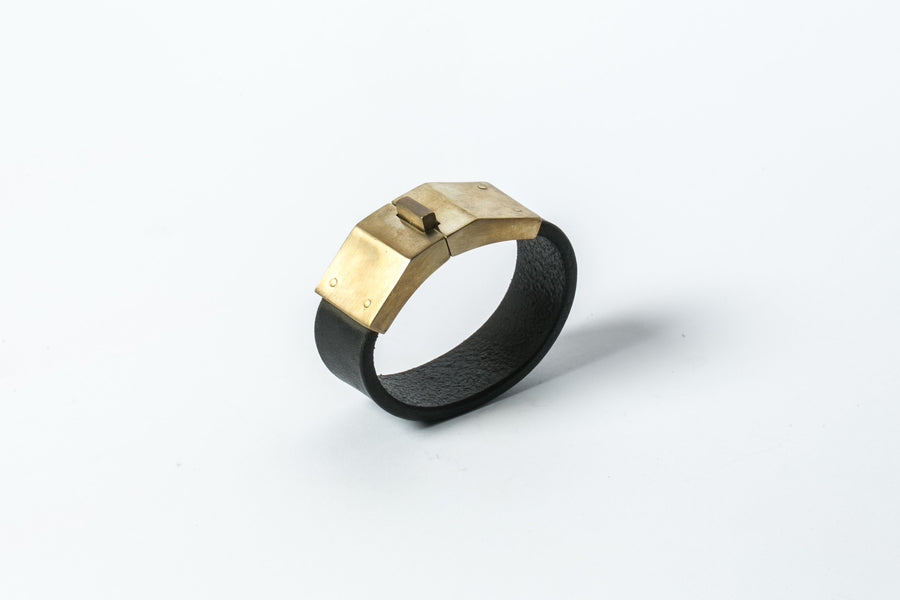 Box Lock Bracelet in Matte Brass