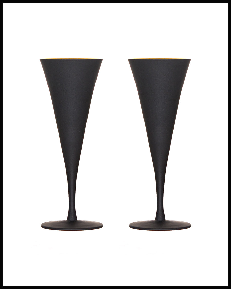 PAIR OF GLASS CHAMPAGNE FLUTES IN MATTE BLACK GLASS