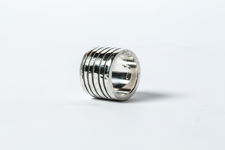 Lines Plane Ring 17mm