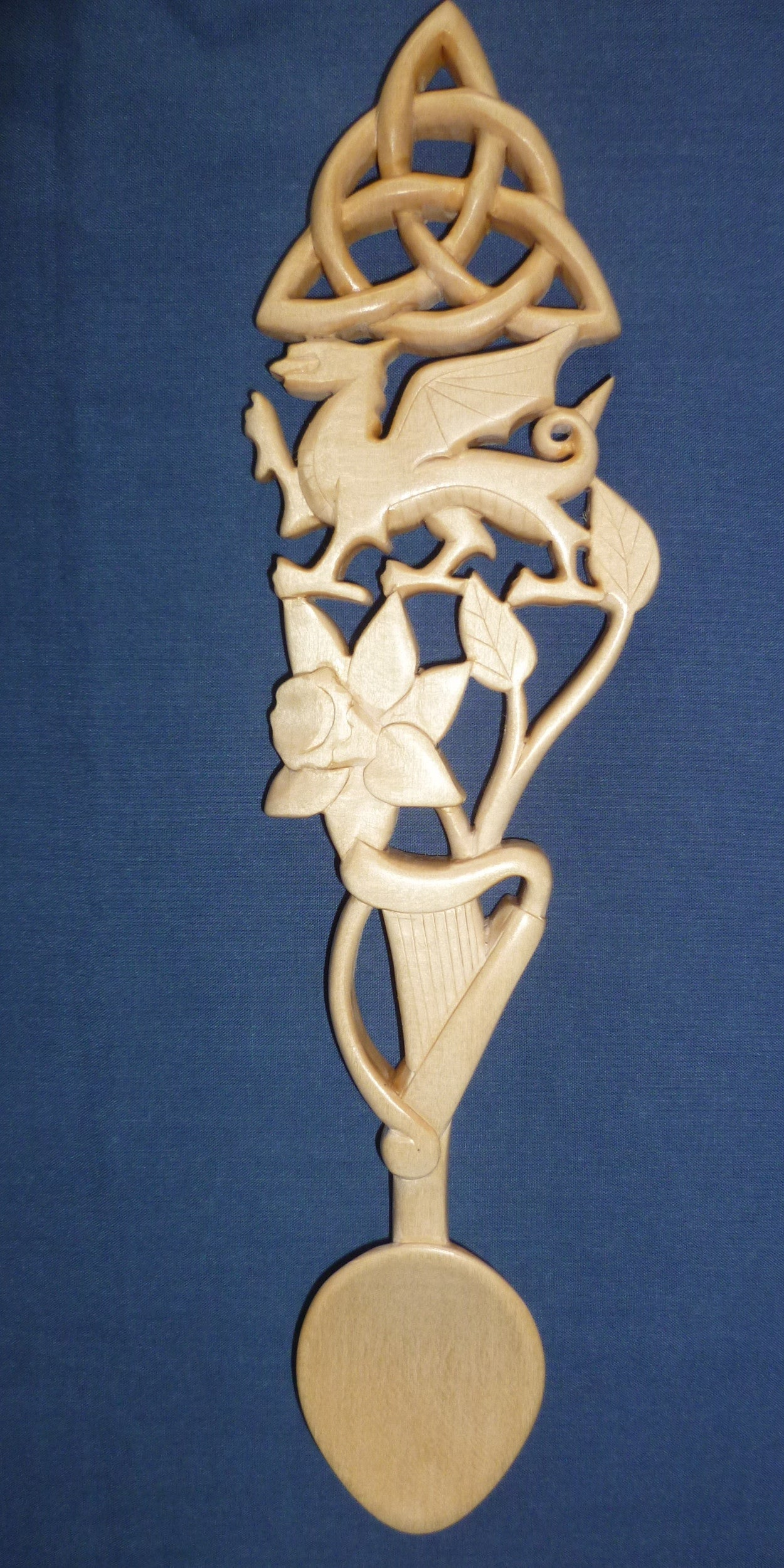 Welsh dragon, daffodil, harp and knot lovespoon