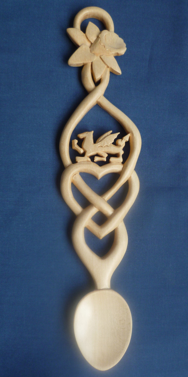 Celtic heart with dragon and daffodil