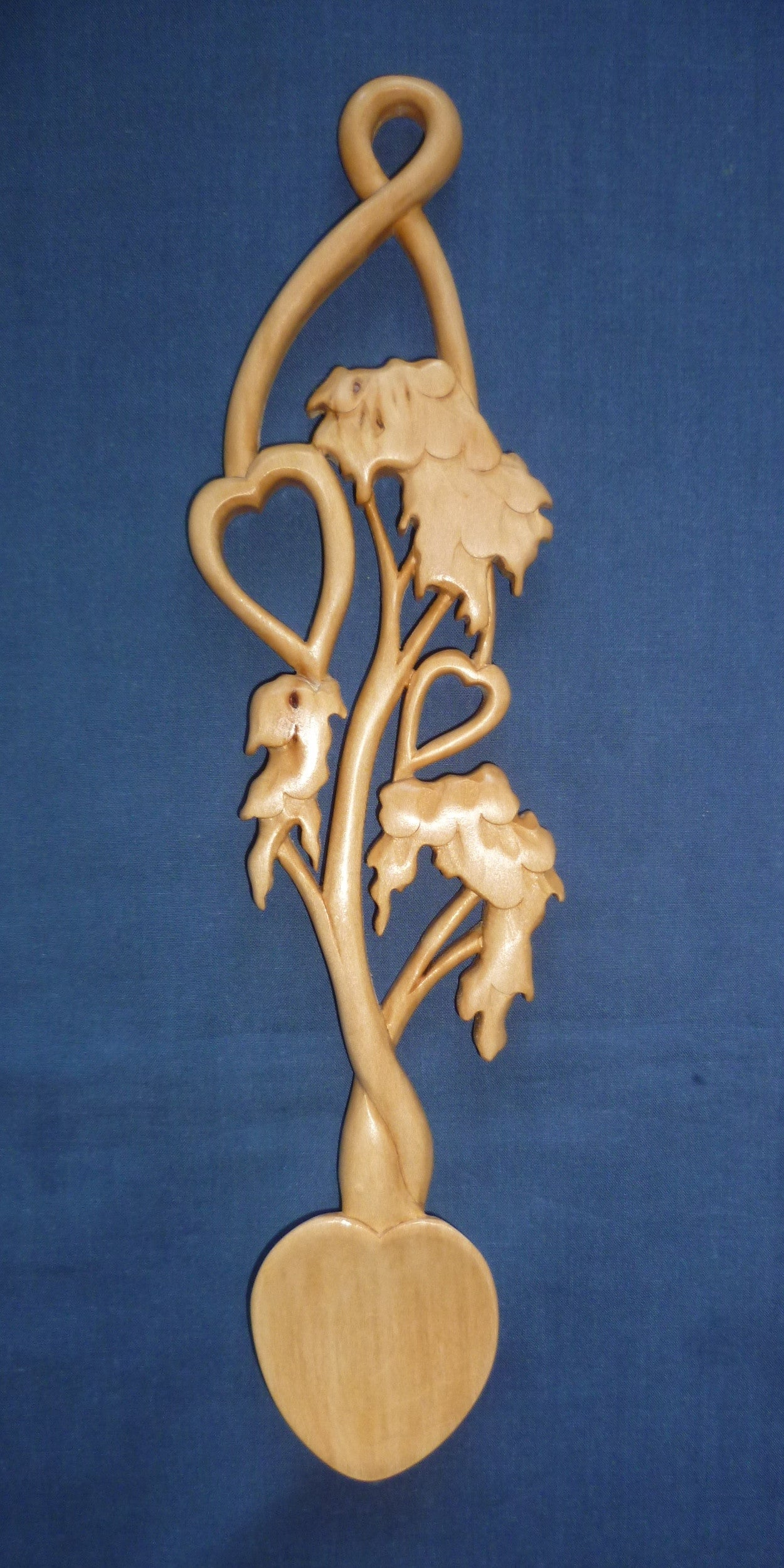 Two hearts in tree love spoon