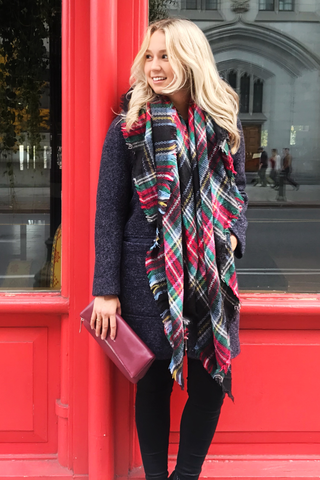 Bisous Blanket Scarf in Red