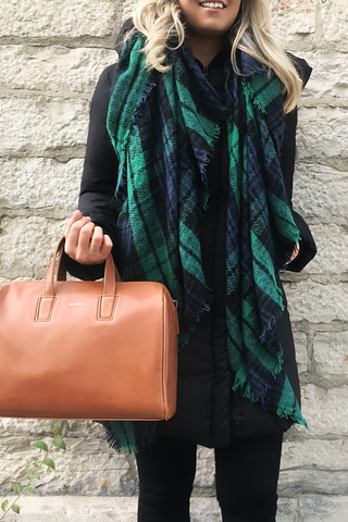Bisous Blanket Scarf in Green
