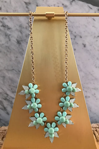 Fiona Necklace in Mint
