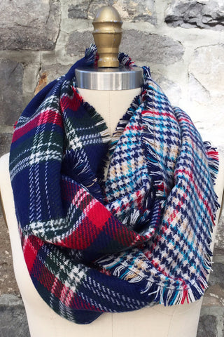 Lexi Infinity Scarf in Navy