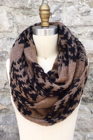 Xandra Eternity Scarf in Twig/Black