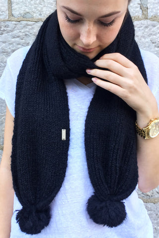 On Edge Scarf in Black