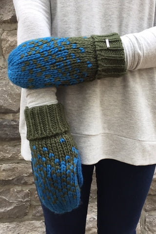 Snowman Mittens in Green/Blue