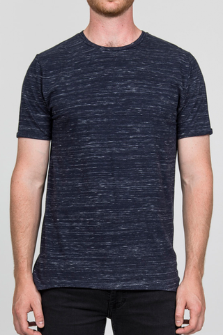 RVLT Kevin T-Shirt in Navy