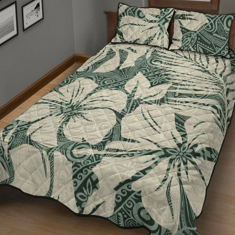 Image of Polynesian Quilt Bed Set - Abstract Hibiscus Flowers With Tribal Background - BN20