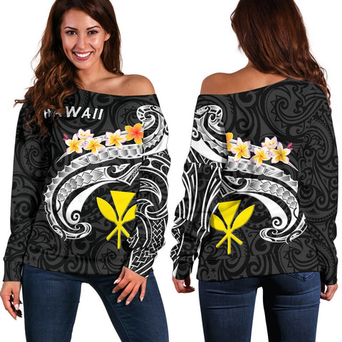 Hawaii Women's Off Shoulder Sweater - Kanaka Maoli Polynesian Patterns Plumeria (Black)
