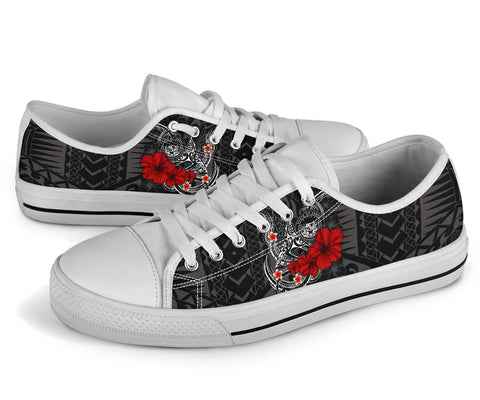 Polynesian Hawaii Low Top Shoe - Humpback Whale with Hibiscus (White)