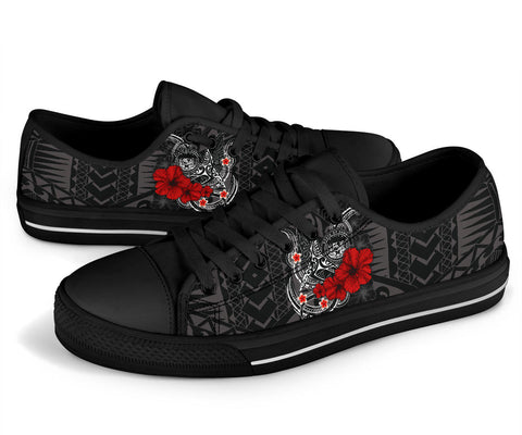 Image of Polynesian Hawaii Low Top Shoe - Humpback Whale with Hibiscus (White)