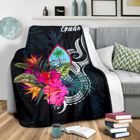 Image of Guam Polynesian Premium Blanket - Tropical Flower - BN12