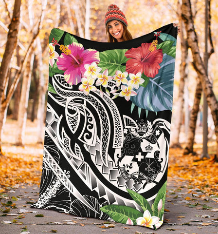Image of Tonga Polynesian Premium Blanket - Summer Plumeria (Black)