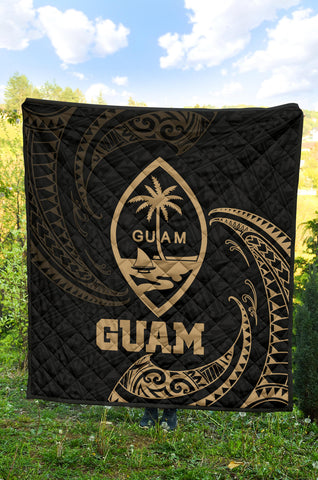 Image of Guam Polynesian Premium Quilt - Gold Tribal Wave - BN12