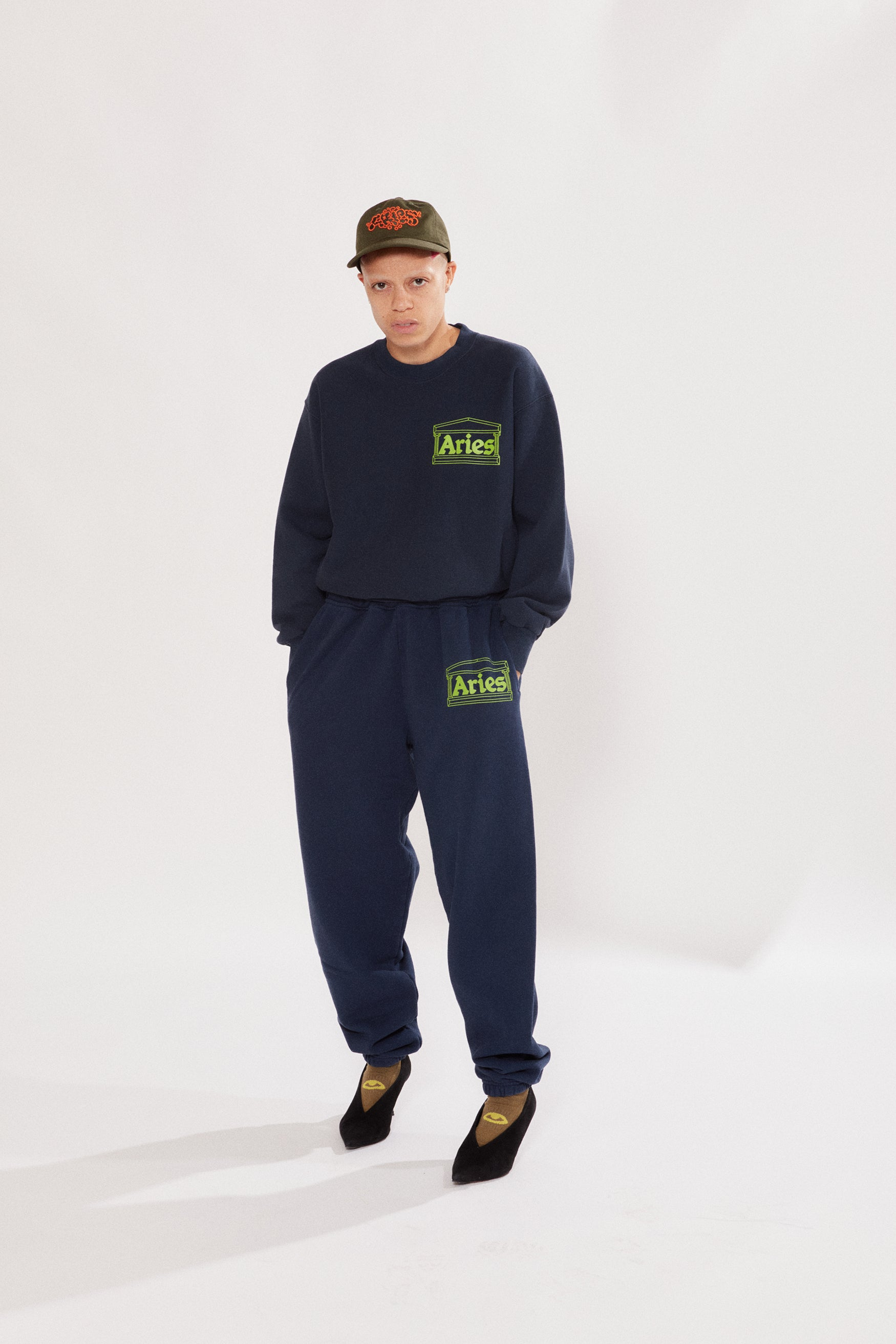 Load image into Gallery viewer, Logo Premium Sweatpants