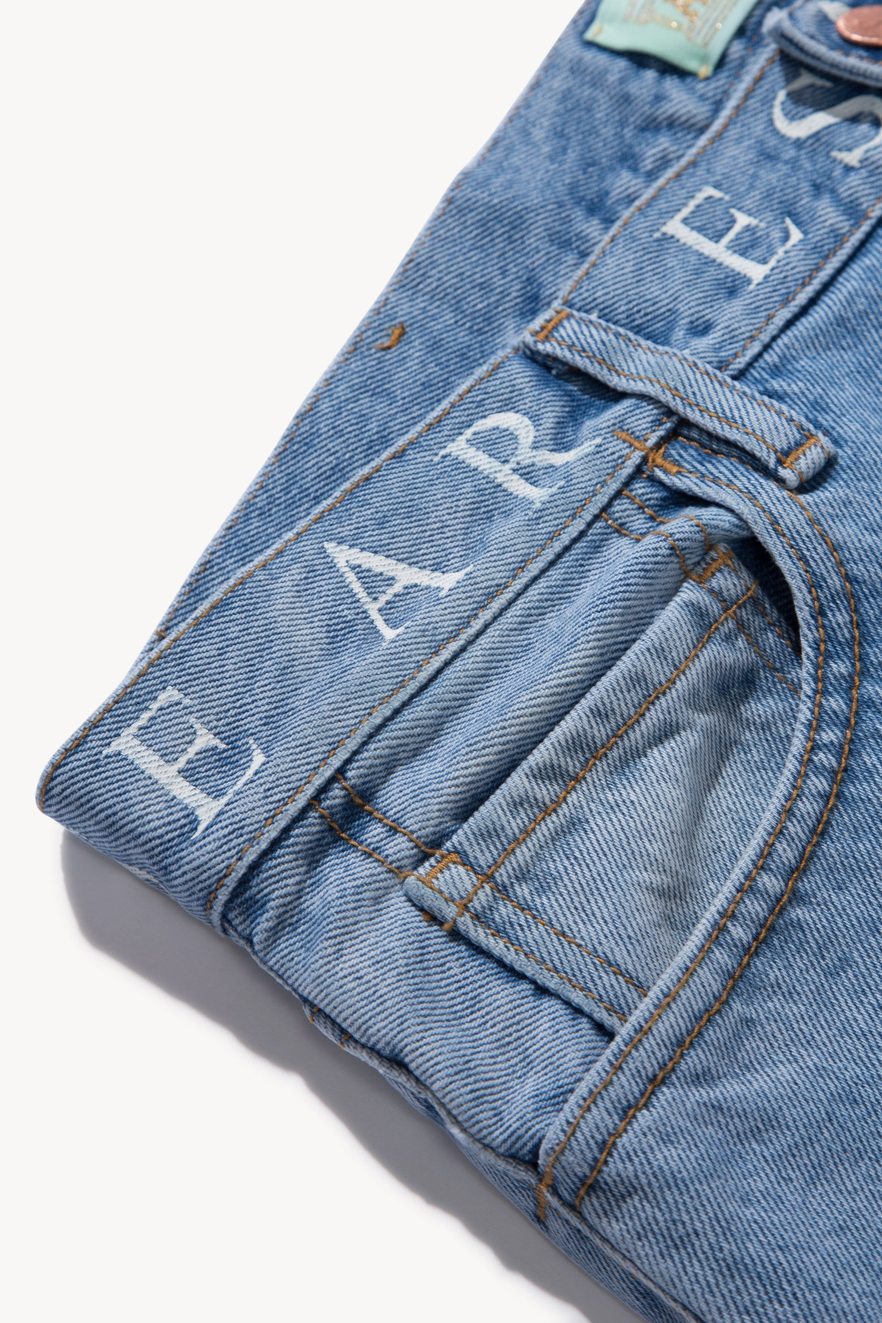 Load image into Gallery viewer, Logo Lilly Jeans
