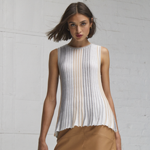 Load image into Gallery viewer, Sleeveless Pleated Swing Top