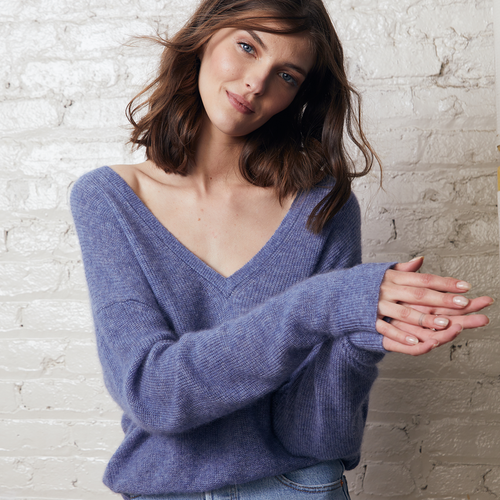 Shaker Stitch Deep Boyfriend V Pullover in Blue | Women's Apparel & Knitwear | Autumn Cashmere