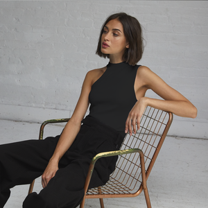 Autumn Cashmere. Asymmetric One Shoulder Crew Top. Viscose.