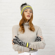 Load image into Gallery viewer, Sporty Leopard Beanie and Glove Set