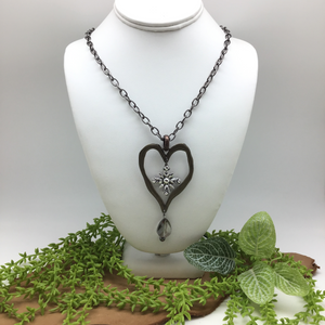 HANDCRAFTED HEART PENDENT NECKLACE