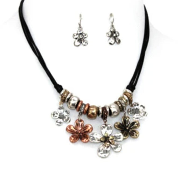5 MULTI-FLOWERS WITH BEADS NECKLACE SET
