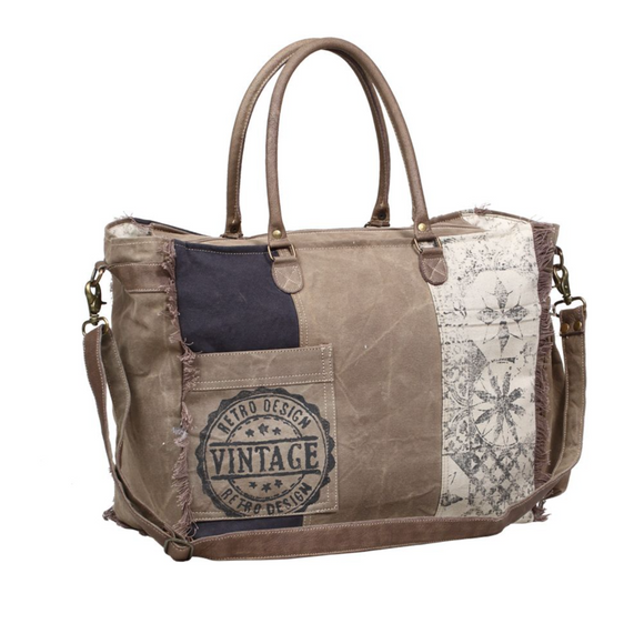 RETRO PRINT WEEKENDER BAG by MYRA BAGS
