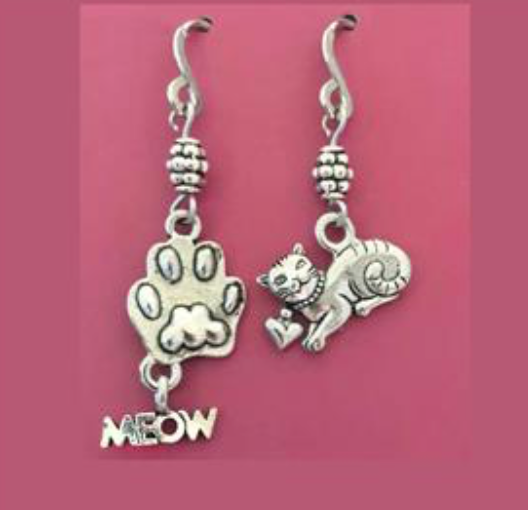 HANDMADE MISMATCH MEOW & CAT EARRINGS (STAINLESS STEEL)