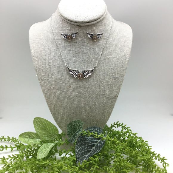 MEDIUM BULLET/ANGEL WING NECKLACE SET