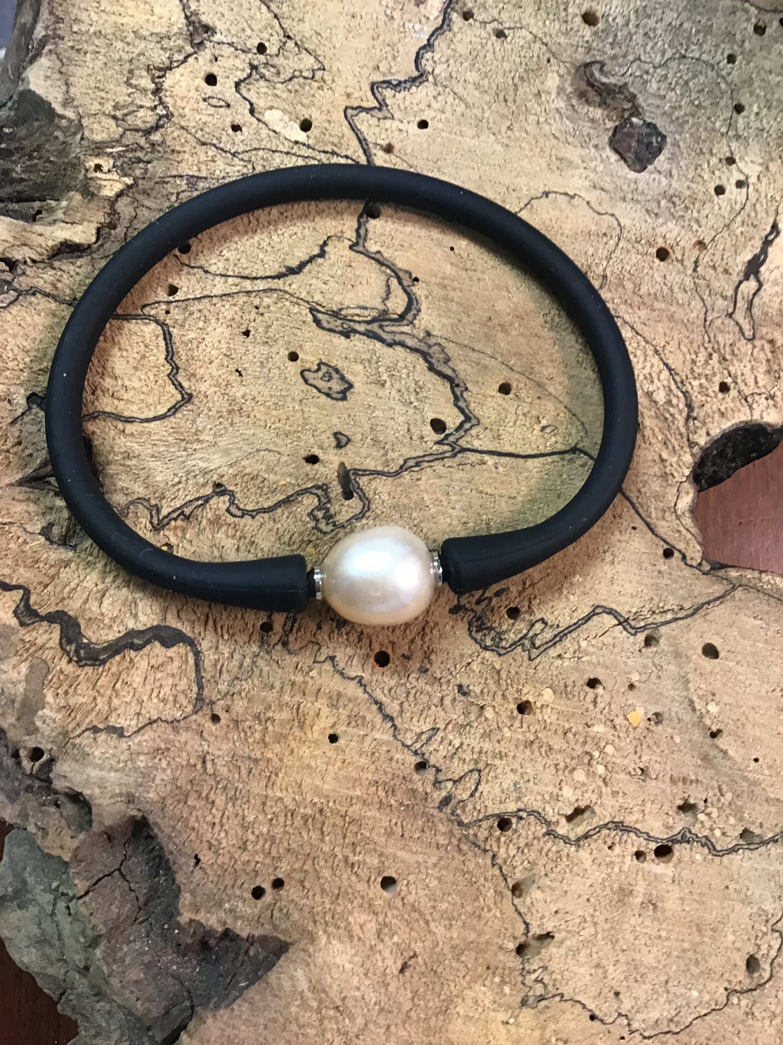 FRESH WATER PEARL - SILICONE RUBBER BRACELET