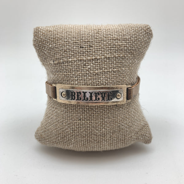 HAMMERED LEATHER - BELIEVE RECTANGLE BRACELET