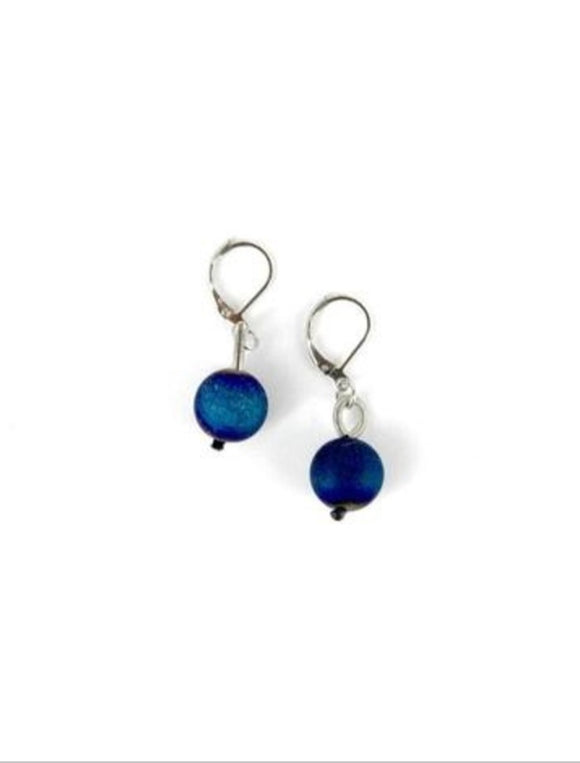 SEA LILY PIANO WIRE WITH BLUE GEODE EARRINGS