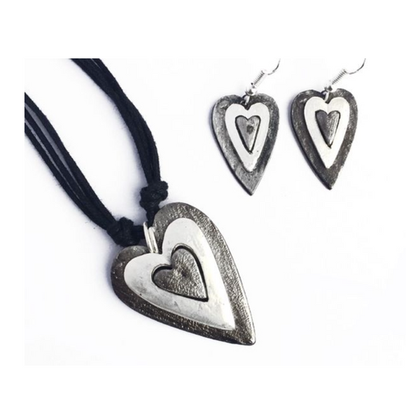 ANJU HEART NECKLACE