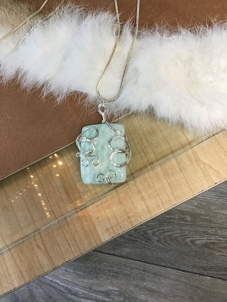 STONE WRAPPED PENDANT NECKLACE