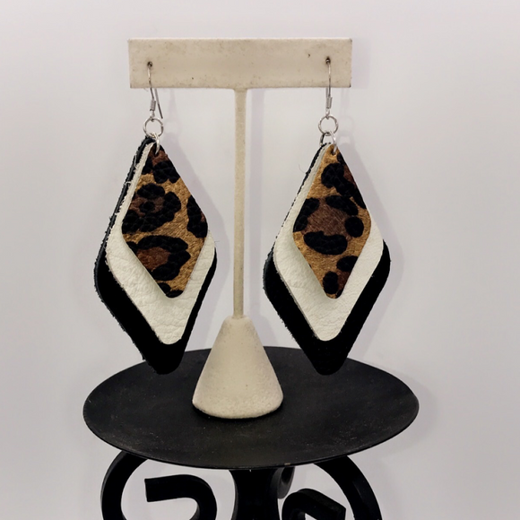 HANDMADE & DESIGNED LEATHER DROP EARRINGS
