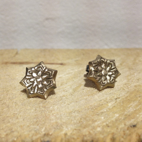 Star Flower Stud Earrings Bronze