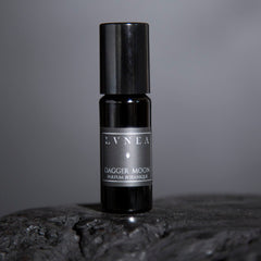 DAGGER MOON Natural and Botanical Perfume Oil