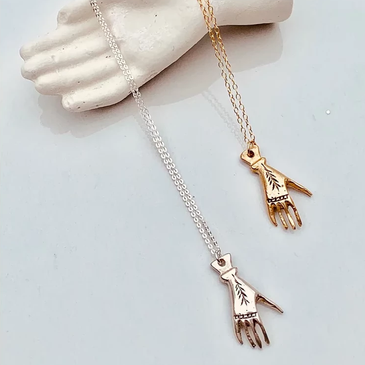 JADA Hand Necklace in Bronze or Silver