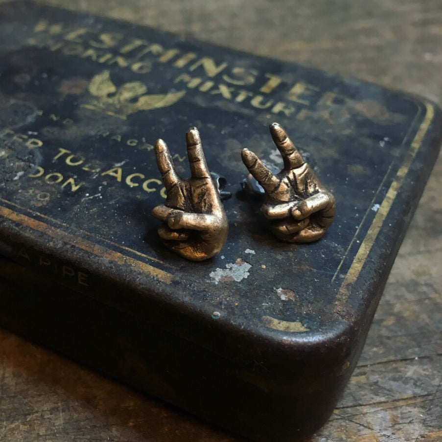 Peace / Victory Hand Sign Earring in Bronze