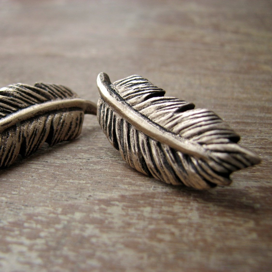Feather Earring Bronze