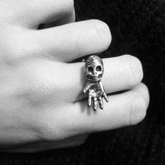 Sideways Skull Hand Ring