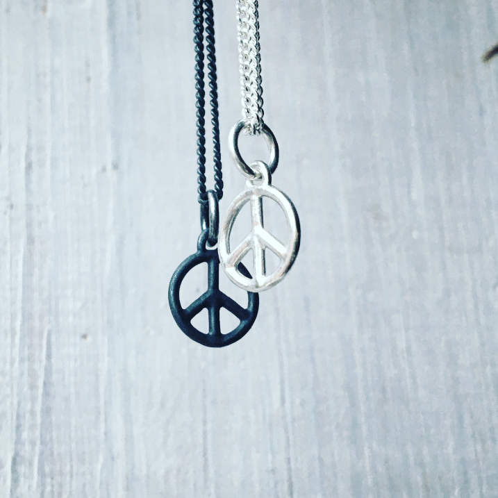 Peace Sign No.1 Tiny Charm Necklace Silver