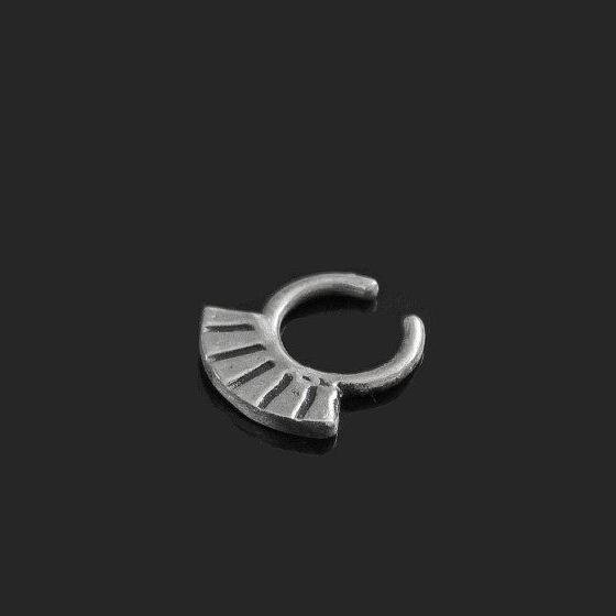 Seshia faux septum nose ring silver